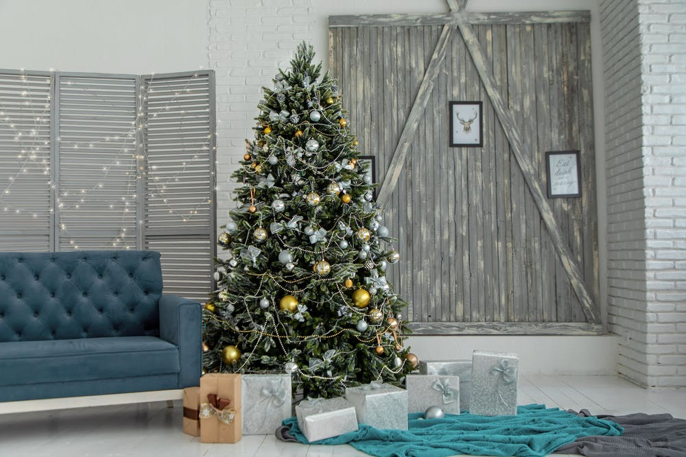 Tips for holiday decorating from new construction home builders in Woodstock, GA