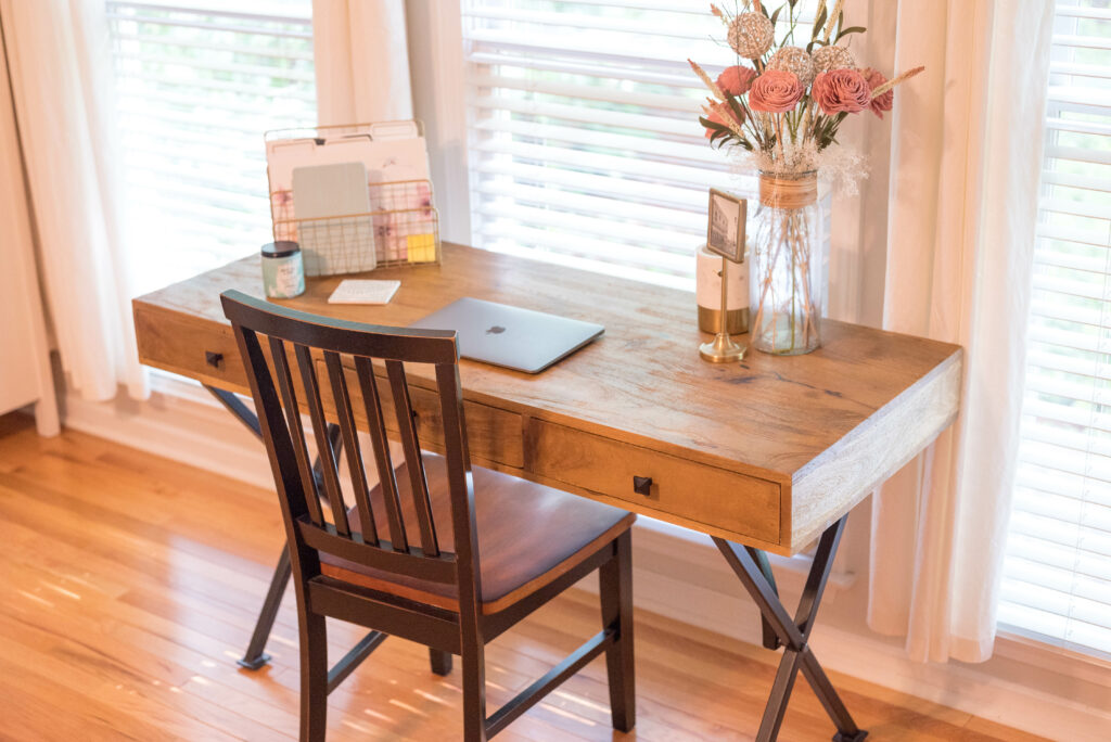 Tips to create an office in your new home